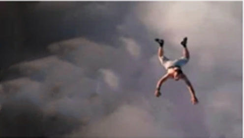 真人从9000米高空坠落,还能活下去?专家:不是没可能!