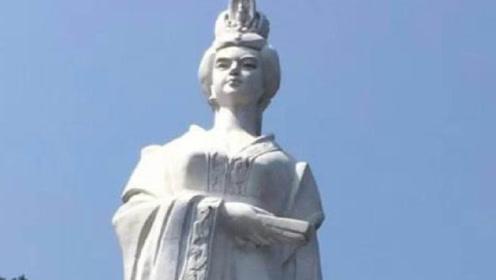 女帝武则天长相如何,一尊石像告诉你答案,游客:被电视剧骗了