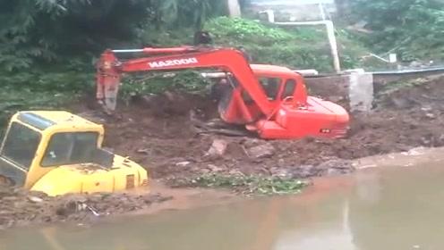 又一辆挖掘机干进去了,不知道老板看完是什么感受,好凄凉啊!