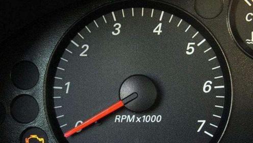 车子挂挡猛加油时,转速突然上升?看汽修工分享解决方案