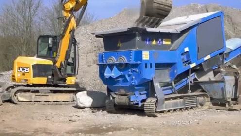 能把建筑垃圾碎成砂子,这款机器厉害了