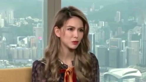 昆凌带小周周出国工作 曝光周杰伦与女儿视频通话