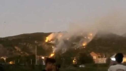 400名消防员花果山抢险:过火面积约10亩,无人员伤亡