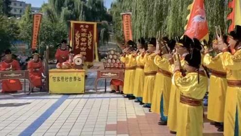 西安一村用古乐谱演奏乐器:只有村里传人才懂