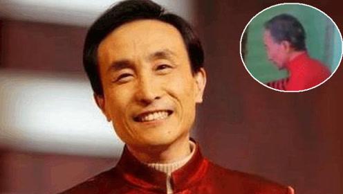 62岁巩汉林近照曝光,满头白发身材消瘦似竹竿
