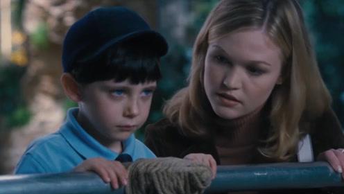可爱小男孩去动物园玩,动物都害怕他,原来男孩是异类《新天魔》