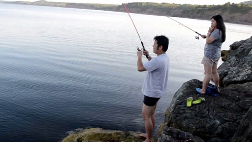 放假几天,终于找个能钓鱼的地方了,还好来的早不然没位置了