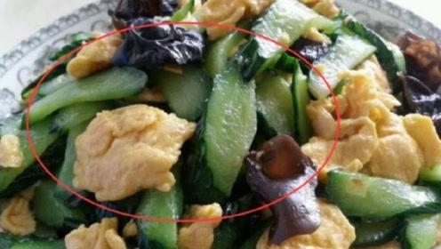 4岁孩子食物中毒丧命,医生告诫:吃完苹果不能吃它,毒性太大!