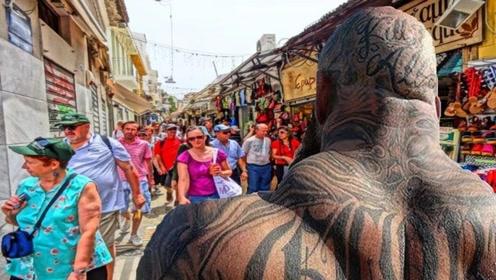 肌肉男中纹身最猛,纹身界中肌肉最牛,一天9顿饭来维持肌肉