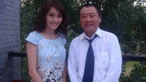 57岁范伟小6岁娇妻曝光,竟然这么漂亮,离开赵本山是正确的!