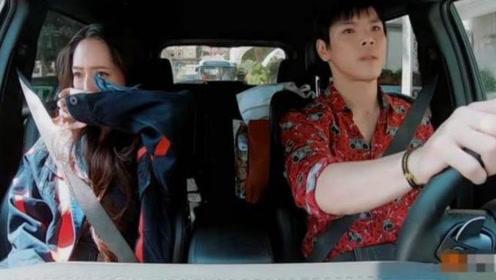 刚结婚就冷战?郭碧婷在车内捂脸大哭,一旁的向佐却毫无反应