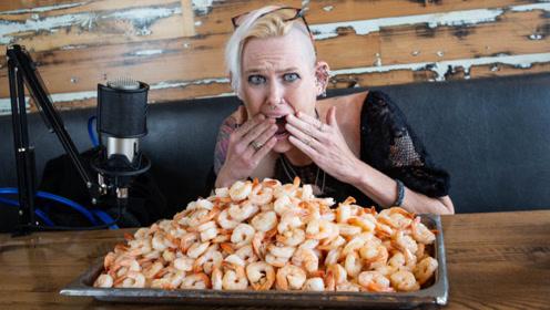 最能吃的女人,体重仅有110斤,她一次性能吃掉500根鸡翅
