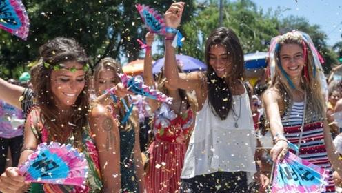 为何去巴西旅游,美女邀你洗澡不要拒绝?原来还有这层意思