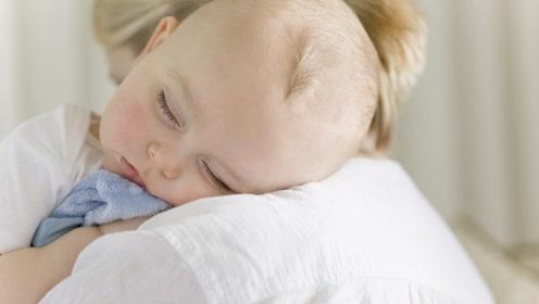 宝宝睡觉有这几个表现,最好去医院看看,家长可不要大意