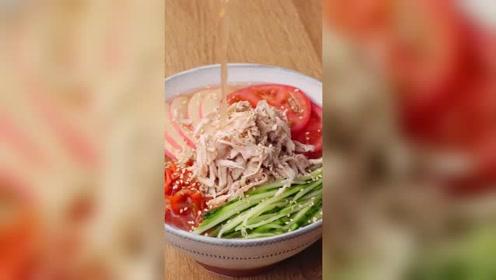 鸡丝冷面美食小吃,四川凉面不愧为佳品,请问你们吃过吗