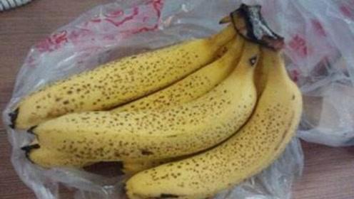 50岁大叔患胃癌,医生告诫:这种水果继续吃,癌症就离你不远了