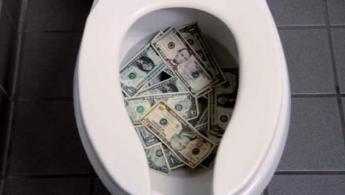 美国女厕所马桶为何有个缺口?看似奇葩,作用却非常人性化!