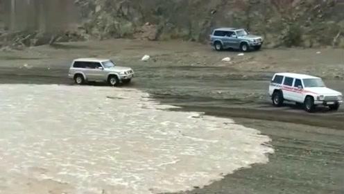 阿拉伯土豪戏谑洪水,下一秒得到了惩罚,灾害面前从没有高低贵贱