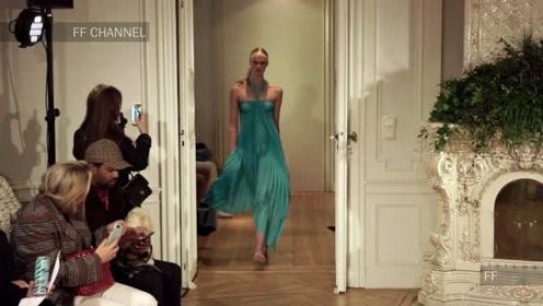 Jennifer Blom春夏新品成衣秀,超模尽显优雅居家女人味
