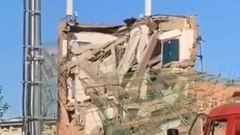 吉林白城一栋银行办公楼坍塌致1死4伤 4人仍被困
