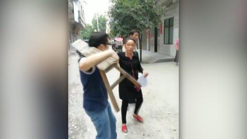 太嚣张!执法人员依法拆违,竟遭户主暴力殴打还摔摄像机