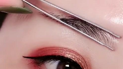 用镊子画出最直眉框,不会画眉毛的仙女们可以试试这个