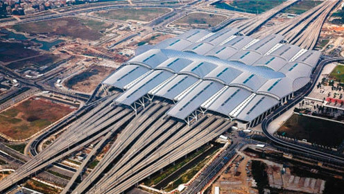 中国将打造世界第一大火车站,投资130亿,面积堪比30个天安门广场