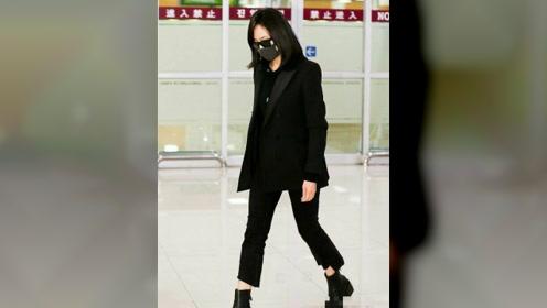 宋茜抵达韩国机场,低头疾行全程眉头紧锁,情绪十分低落
