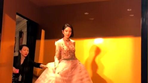 婚后的唐艺昕也太幸福了,穿粉色小礼服像少女一样