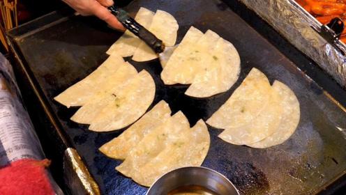 非常薄的饺子吃过吗?直接蘸油放锅里煎,数分钟美味就好了!