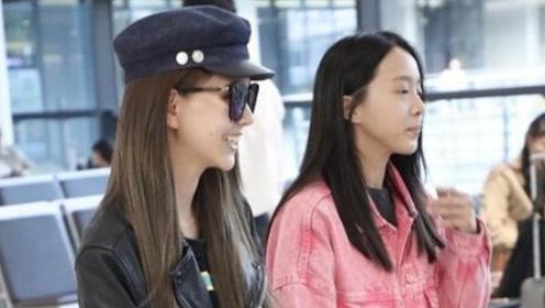 周杰伦演唱会上海开唱,妻子昆凌抵达上海支持,一袭黑皮衣超有范!