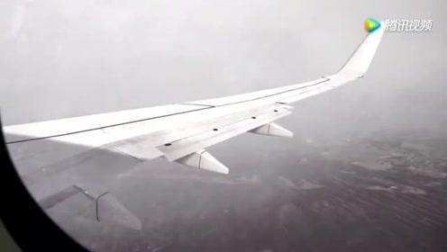 从波音737驾驶舱看飞机着陆