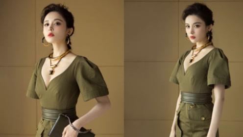 娜扎最新军装风大片又美又飒 复古卡其色连衣裙秀曼妙身材