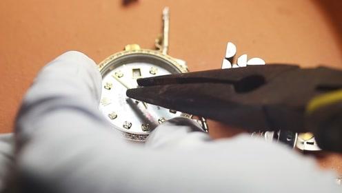 土豪标配劳力士金表,里面到底有多少真金?老外现场提炼!