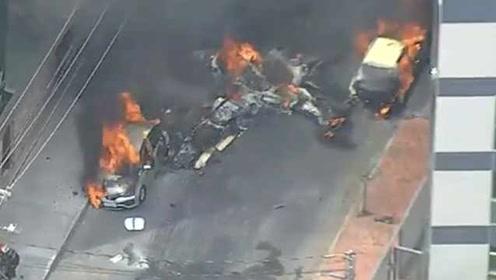 巴西一小型飞机坠毁居民区后撞上汽车,引发爆炸,3人死亡
