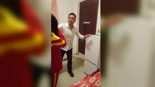 11岁的女儿!连冰箱门都打不开!我是不是太宠溺了?!