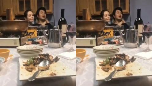 超恩爱!郎朗带娇妻和妈妈吃饭,吉娜全程搂老公脖子似树懒