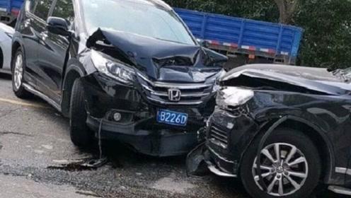 大众途锐与本田CR-V相撞,看到现场状况后:德日之争终于有定论!