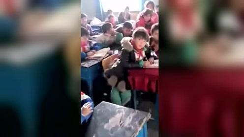 曾经去新疆支教的老师,再回来看自己的学生,被孩子们的反应暖哭了