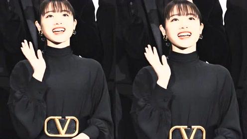 石原里美现身东京电影节,黑衣红唇演绎独特的清甜优雅