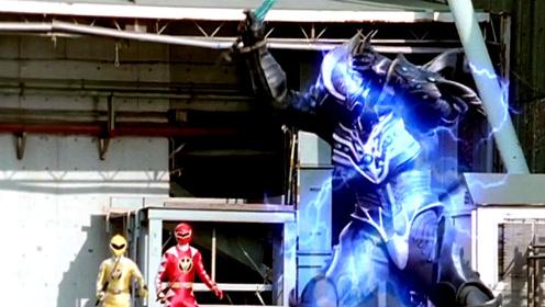 《爆龙战队》怪兽出现,暴连者紧急变身迎战,黑衣铠甲人登场