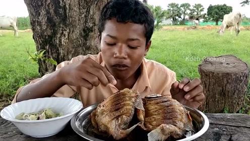 实拍印度贫困山区农村人的生活,网友:比中国农村孩子幸福多了