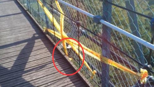 缝隙太大男童吊桥上坠落惨死 母亲想拉住却来不及