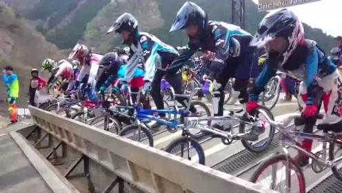 最新爆料!公路自行车新规则,谁摔得远谁赢!