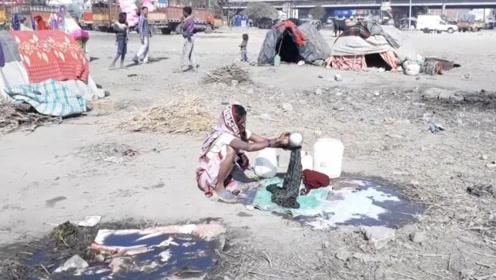 印度穷人是怎么生活的?简直不敢相信,看完太心酸了!