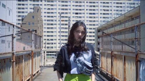 跟随林允的脚步,开启了一场日本时装文化之旅