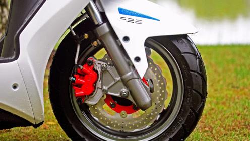 最强弯道性能踏板!149CC风冷引擎+ABS+液晶仪表,续航300公里