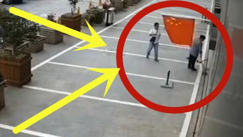 """生死只不过1米!男子坠楼落地瞬间直接""""弹起"""",旁边路人反应""""太真实"""""""