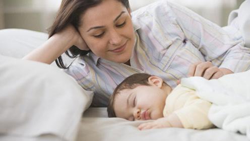 一岁内的宝宝,妈妈别用这3种方法哄睡觉,影响睡眠阻碍发育