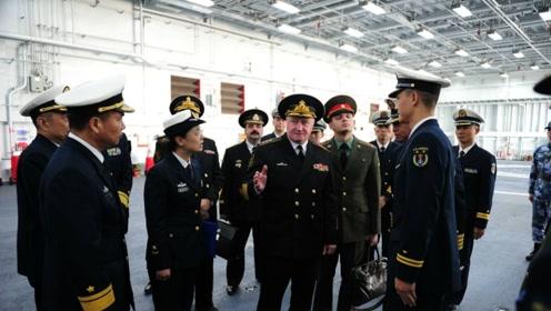 为什么俄海军司令登上辽宁号后一脸惆怅?心中有苦说不出